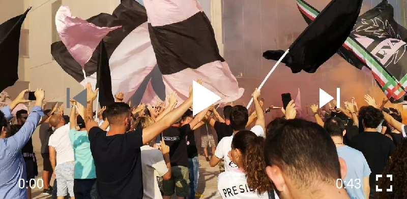 VIDEO - La protesta dei tifosi del Palermo al Barbera
